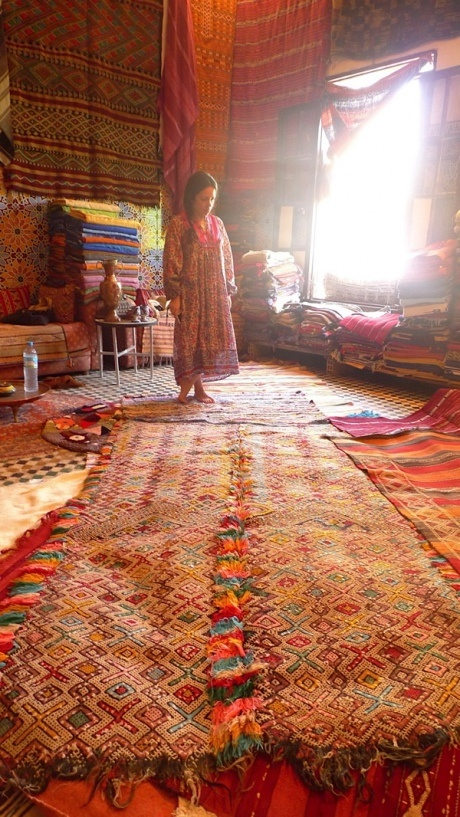 JustinaPinterest_Woman Rugs_Light